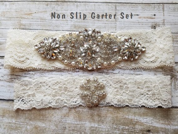 زفاف - SALE - Wedding Garter Set - Pearl and Rhinestone Garter Set on a Ivory Lace Garter Set with Pearl & Rhinestone - Style G23301