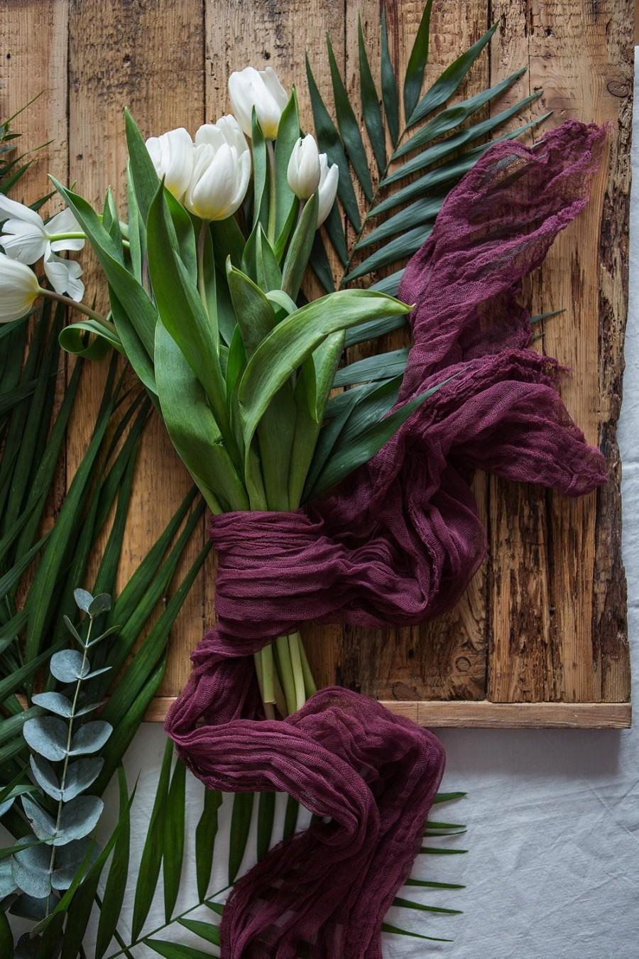 Mariage - Wine Gauze Bridal bouquet wrap, rustic Brides bouquet, gauze runner, Cheese cloth, Cotton Scrim, Bouquet Holder, Ribbon Bouquet Wrap