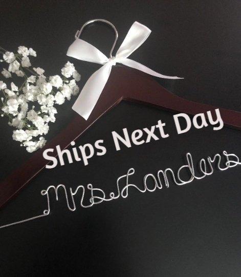 Mariage - Ships next day, wedding hangers, bride hangers, bridal gift, custom hanger, hanger, bridesmaids gift, weddings