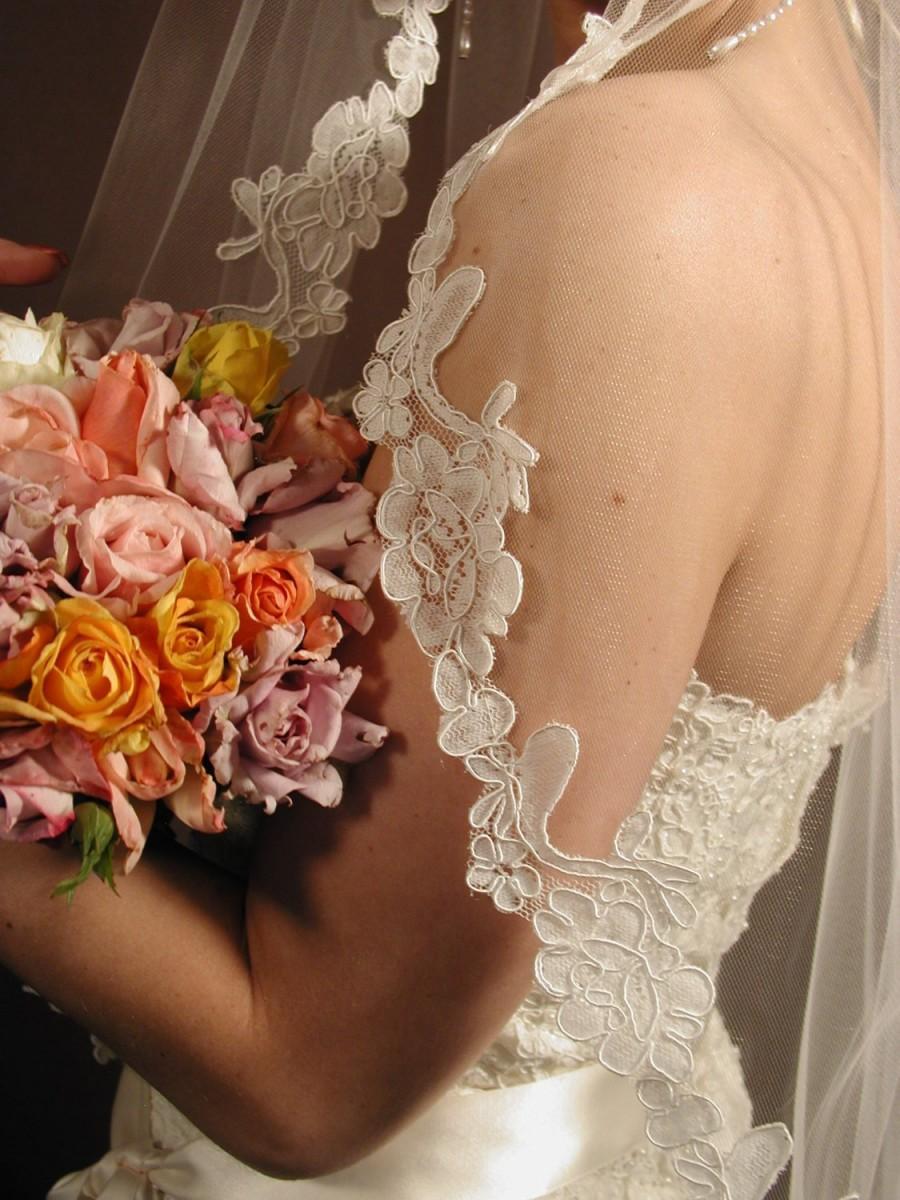 "Wedding - Mantilla wedding veil. 42"" fingertip length bridal veil."