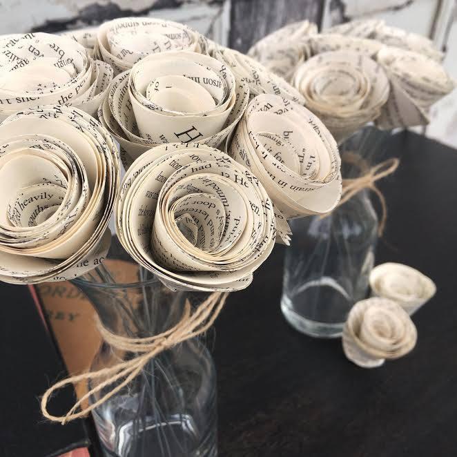 زفاف - Book Page Flowers - Paper Flowers - Alternative Wedding Decor - Book Wedding - Literary Wedding - Book Lover Gift - Paper Flower Centerpiece