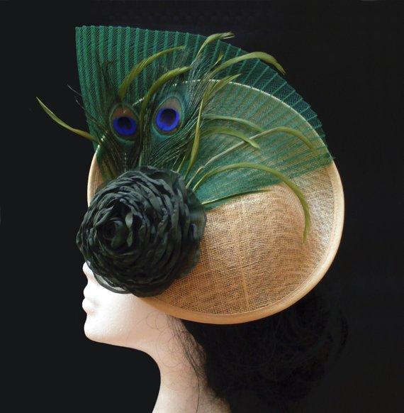Hochzeit - Green and gold wedding fascinator. Feather fascinator.