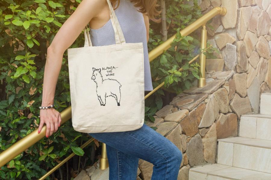 Свадьба - Alpaca Wine Tote Bag Sturdy Natural Cotton Canvas Market Bag, Over-the-Shoulder Handles, Wine Pun Gift Unique Original Cute Animal Design