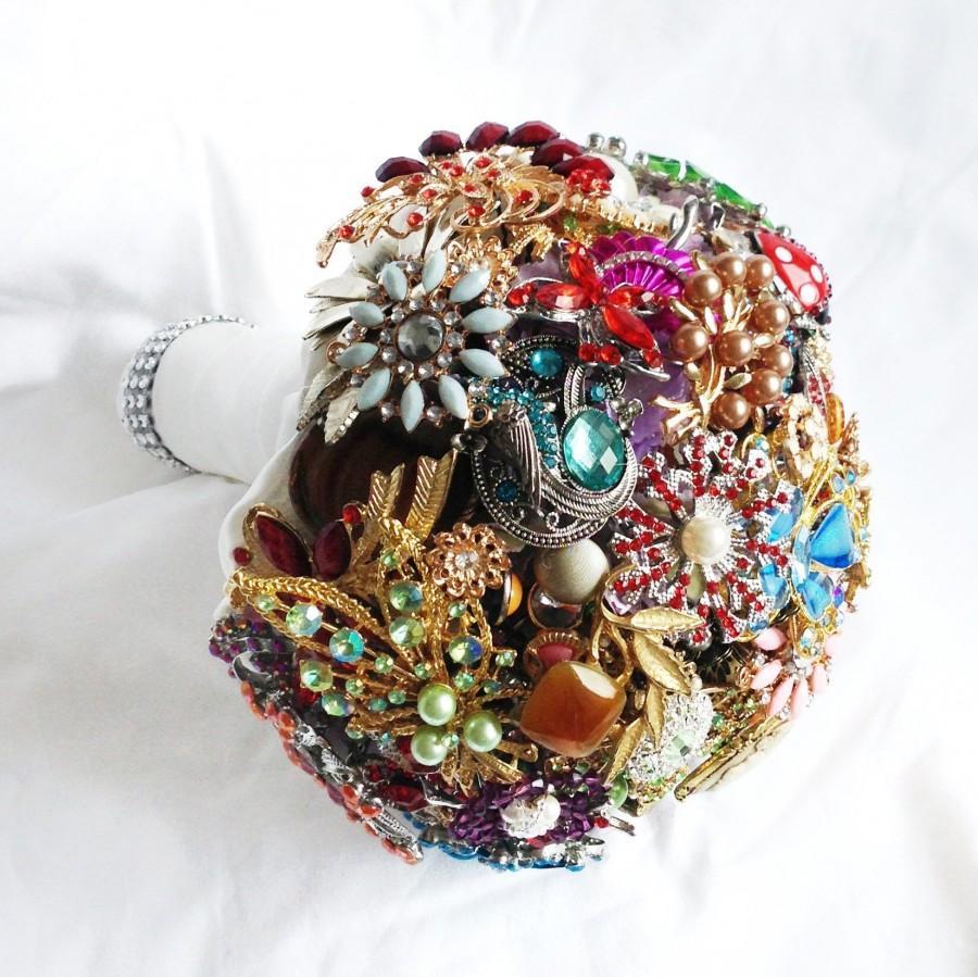 Hochzeit - Bridal All Brooch Wedding Bouquet  Deposit - DEPOSIT Vintage, heirloom, artificial bouquet jewel bouquet Medium