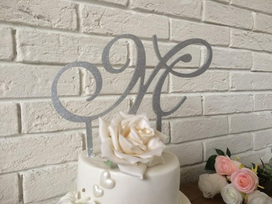 Свадьба - Silver glitter cake topper initial, wooden cake topper, gold, blue, gold glitter, plum, pale pink, champagne, wedding cake sign- cake topper