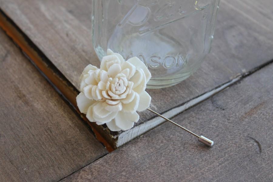 Hochzeit - Cream Peti Sola Flower Pin, Ivory Lapel Pin, Sola Wood Flower Boutonniere, Small Flower Boutonniere, Small Flower Pin, Ivory Boutonniere