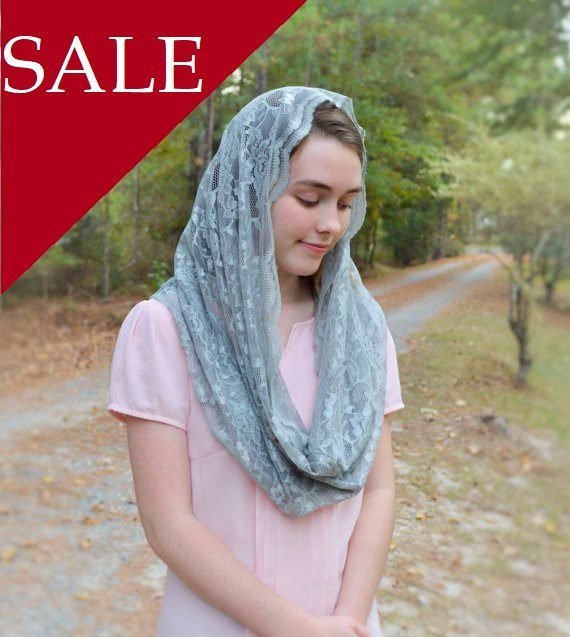 Mariage - SALE Soft Silver Infinity Veil