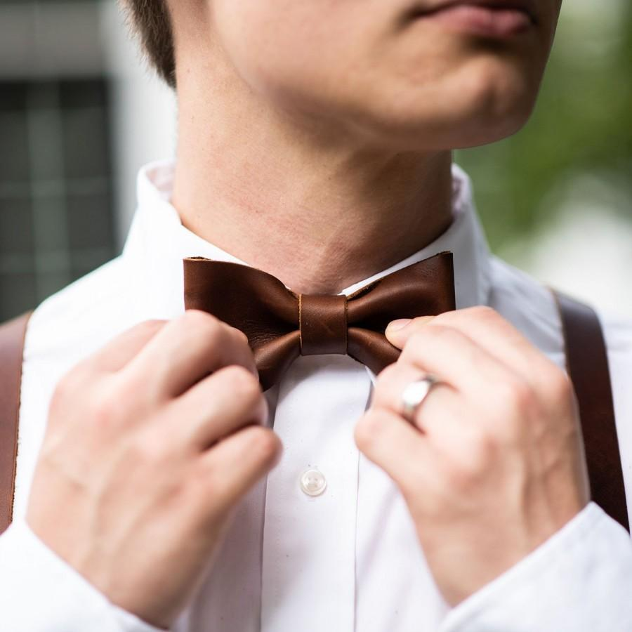 Свадьба - Groomsmen Wedding Leather Bow Tie Bowtie - Gifts for Him- Gifts for Husband - Wedding Party Gift - Christmas Gift For Him - The Mr. Baker