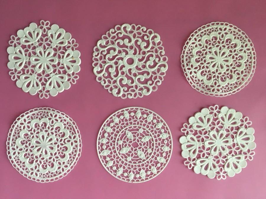 "Mariage - Edible Sugar Lace, Tea Doilies, for Cakes, Cupcakes, Cookies, cocoa, tea,  in the ""spring doily"" design."