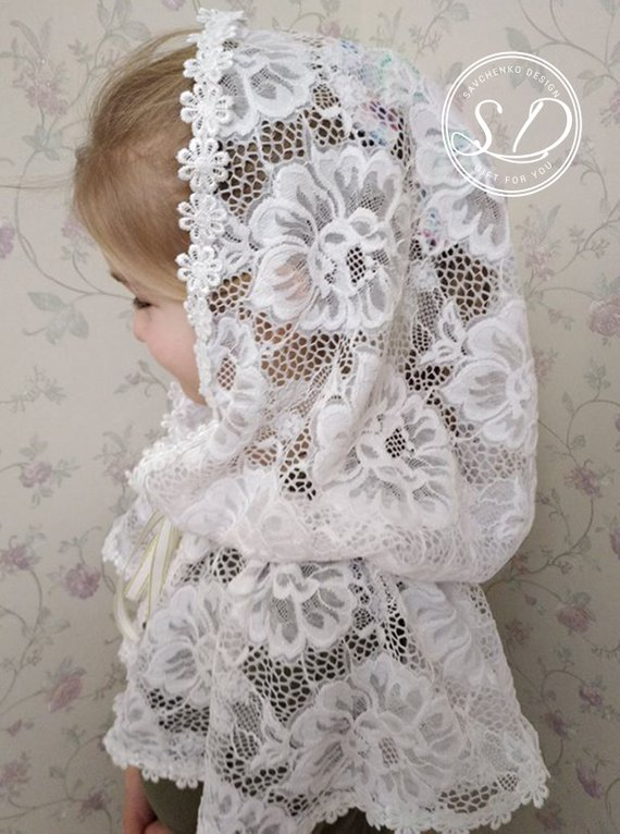 Свадьба - First Communion Cape Medieval hooded cap Lace Capelet Catholic Mantilla Veil Сhurch scarf Infinity or D Shape Victorian White Embroidered Ve