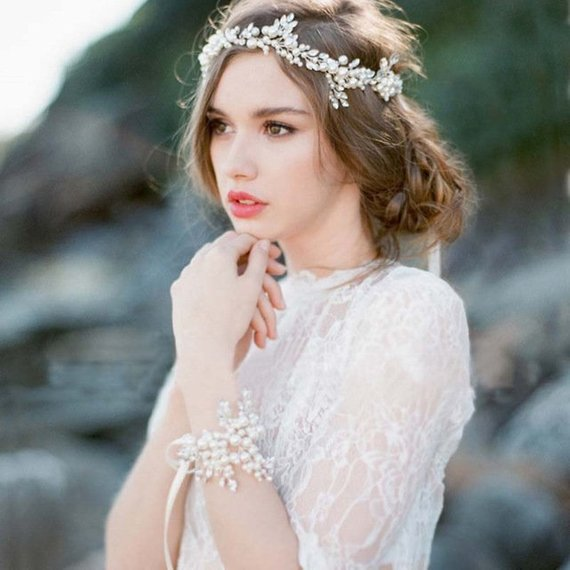 Mariage - White Ivory Pearl Hair Vine wedding hair piece babys breath hair pearl headband Bridal Hair Wreath winter flower crown mermaid party