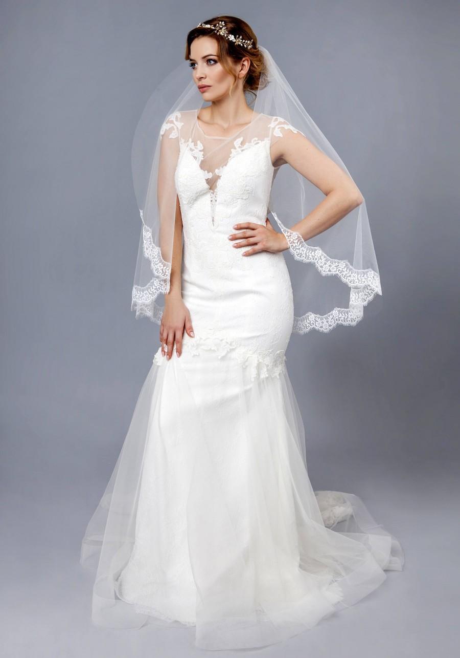 Mariage - Soft Lace Bridal Veil Wedding Veil Lace Veil Elbow Fingertip Waltz Chapel Cathedral length veil bridal veil ivory white