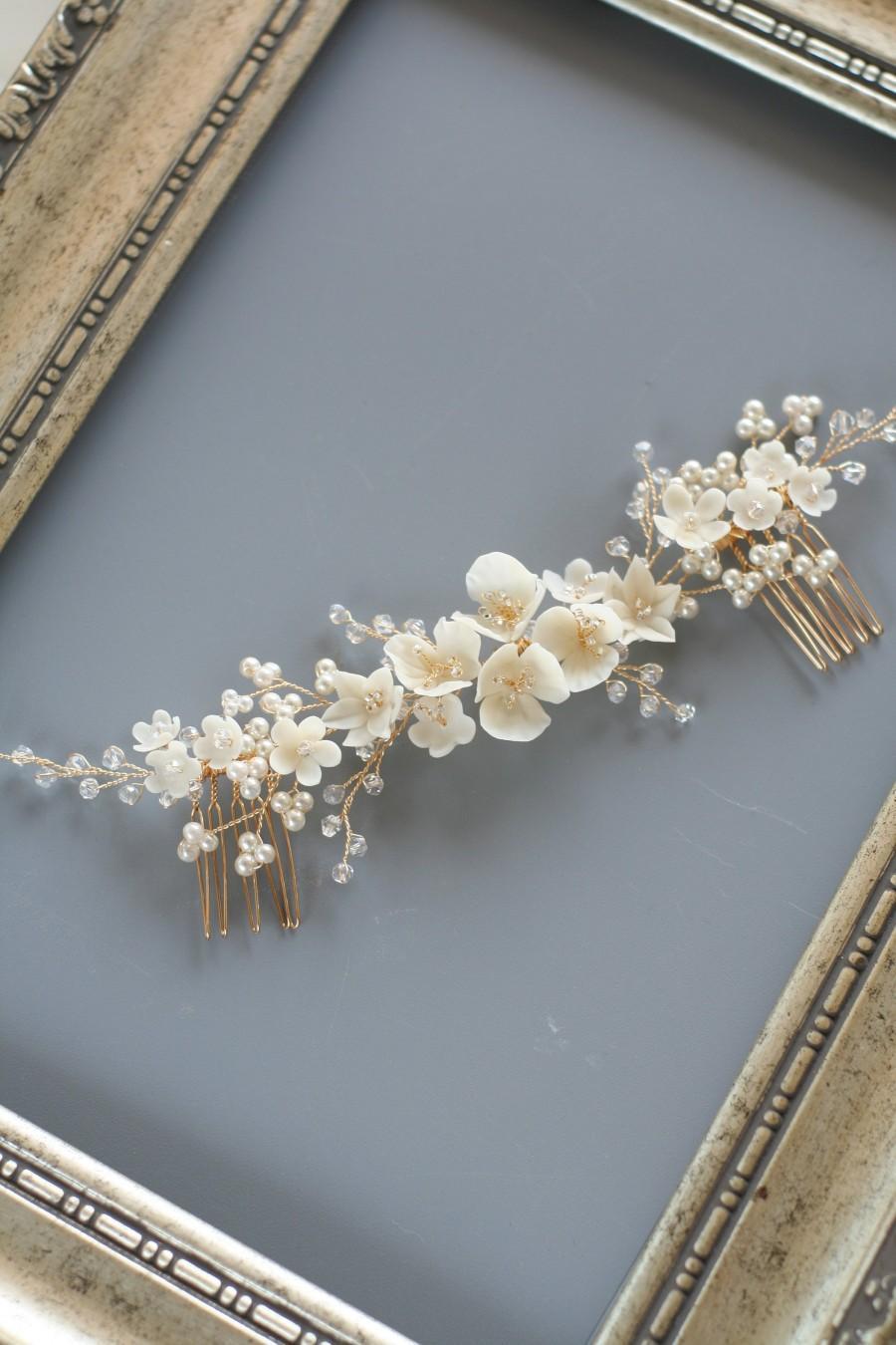Hochzeit - Ivory Wedding Blossom  hair comb Wedding hair comb Ivory Bridal flower comb Blossom headpiece Wedding hair accessories