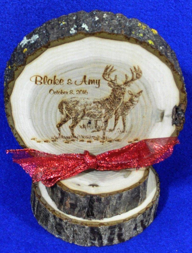 Hochzeit - Rustic Cake Top ~ Rustic Wedding ~ Barn Wedding ~ Buck and Doe Cake Top ~ Country Wedding ~ Engraved Wood Cake Top ~ Deer Cake Top ~ Hunting