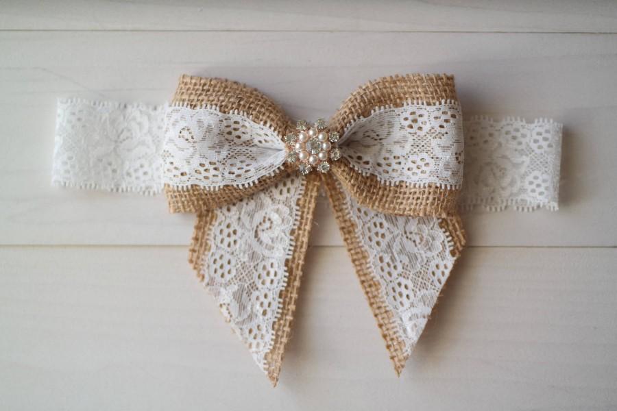 Свадьба - Burlap Wedding Garter, Burlap and Lace Bow Garter, Garter Belt with Rhinestone