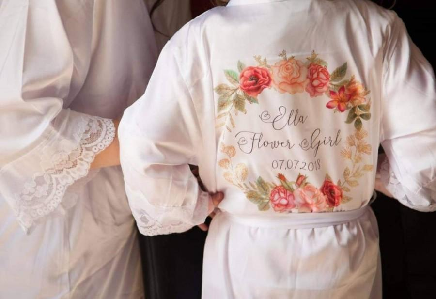 Mariage - Flower Girl Lace Style Personalised Robe, Personalised Floral Robe, Bridal Party Robe, Bridesmaid Dressing Gown, Maid Of Honour Robe