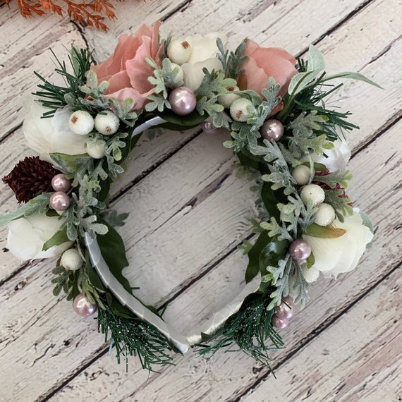 Свадьба - Winter bridal crown Wedding Halo Flower hair piece Woodland ivory flower crown Rustic hair crown Christmas hair accessory Fairy floral crown
