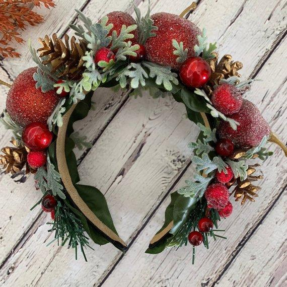 Свадьба - Winter bridal crown Woodland Halo Rustic hair crown Frosted fruit hair piece Wedding crown Christmas hair crown Forest fairy crown