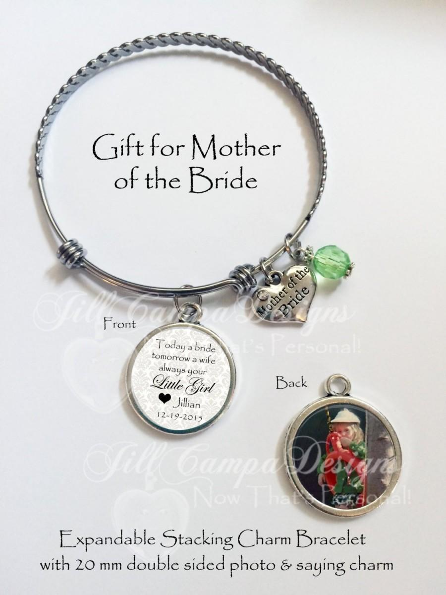 Hochzeit - Mother of the Bride charm bracelet, Mother-of-the-Bride Gift, Gifts for Mom, Wedding Day Gift from Bride to Mom, Photo Charm Bracelet, MOB