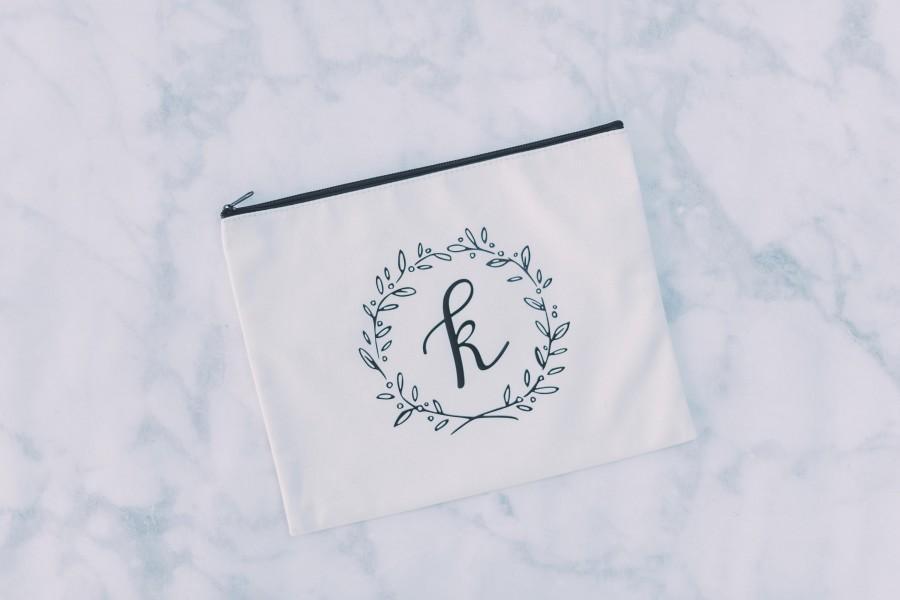 Mariage - Personalized Makeup Bag, Bridesmaid Gift, Bridal Party Gift, Bridesmaid Makeup Bag, Bridesmaid Bag, Cosmetic Bag, Initial Makeup Bag