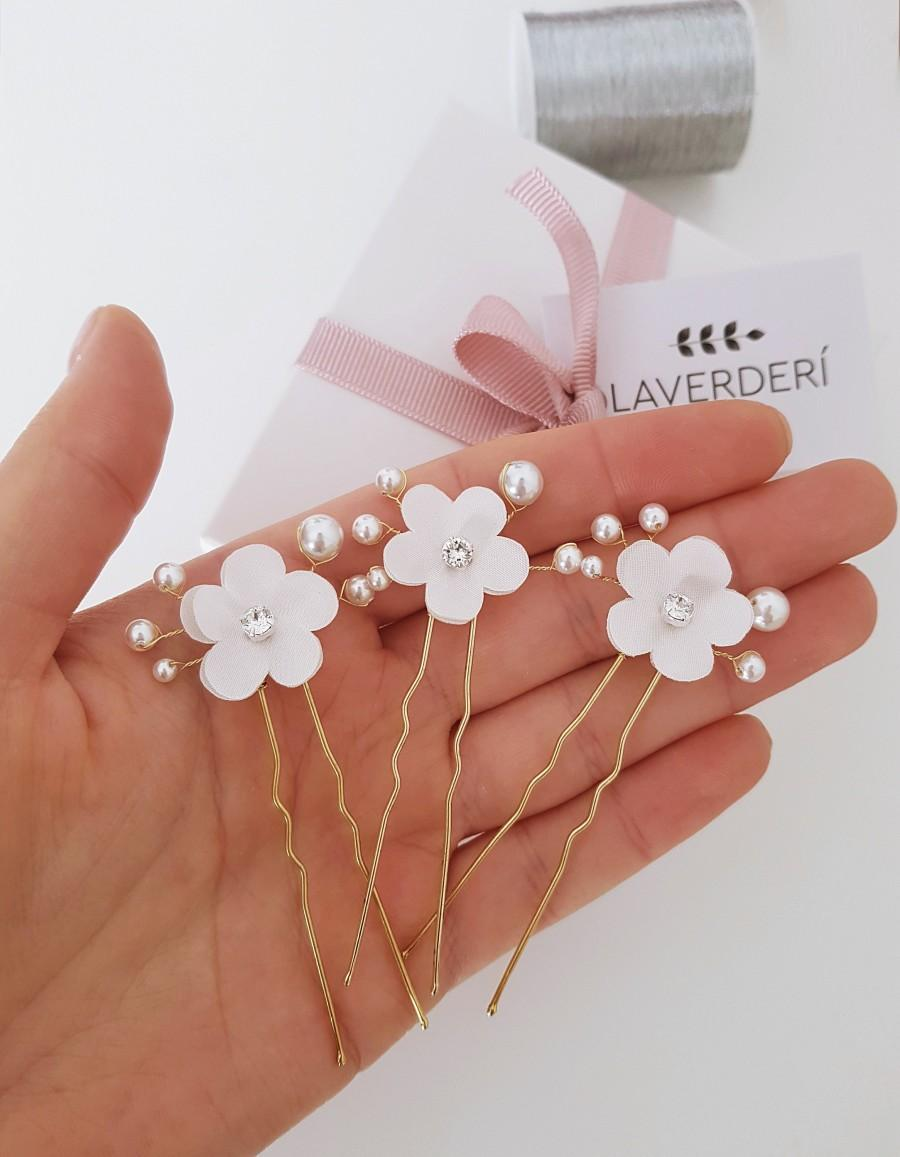 Wedding - 3 Flower bridal hair pins •ELIZABETH• /Pear flower hair pins /Bridal flower hair pins /SWAROVSKI pearl bridal hair pins/Set of 3 hair pins