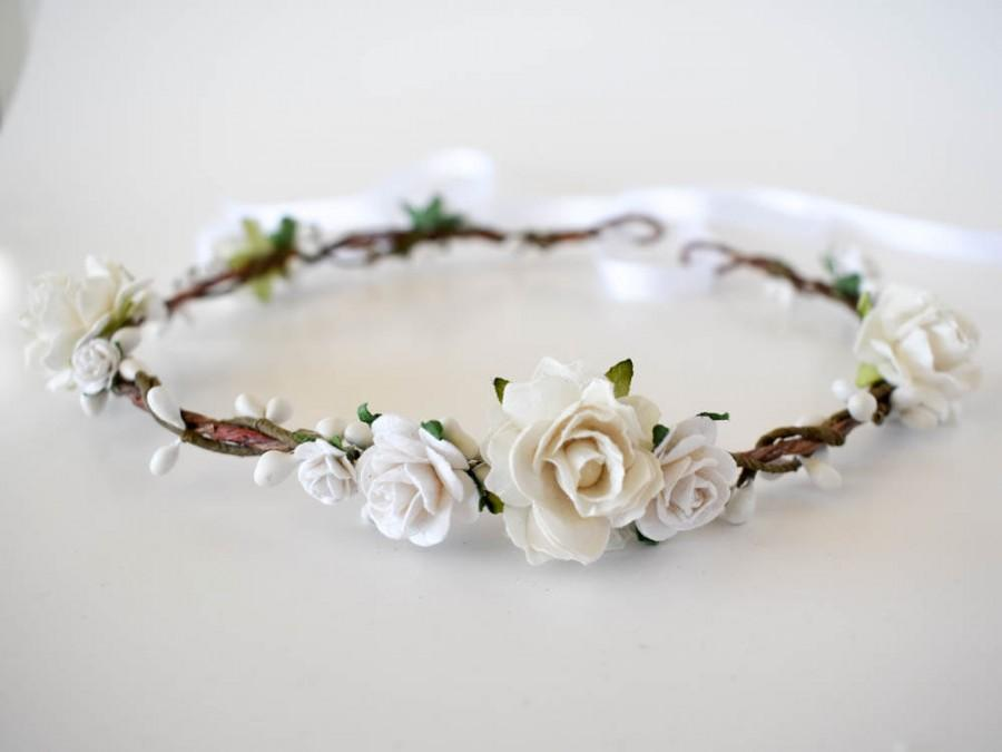 Wedding - White floral crown. White bridal crown. Rustic flower crown. Wedding headpiece. Bridal flower crown. Bridal hair wreath. Bridesmaids circlet