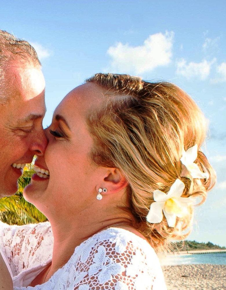 Wedding - WEDDING HAIR FLOWERS, hair accessory, Silk Dendrobium Orchids, Bridal hair pins, Beach Wedding, Freshwater pearl, Bridal Headpiece, Hawaiian