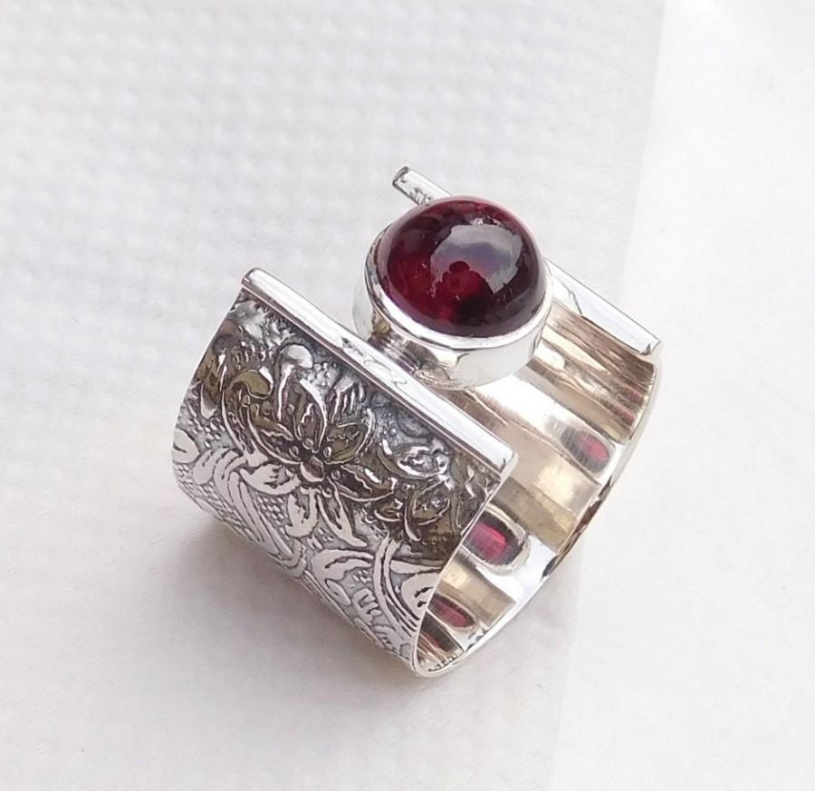 Wedding - Engraved Ring, 925 Sterling Silver Garnet Ring, Unique Handmade Ring, Fine Silver Ring, Trendy Ring, Gorgeous Gift Ring-U068