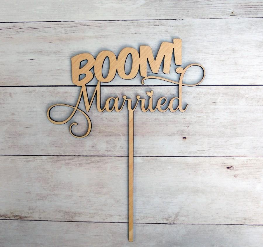 Mariage - BOOM! Married Wedding Cake Topper, Funny Cake Topper, Geeky Cake Topper Bride Groom, Comic Cake Topper Gold, Cute, Quirky, Nerdy Cake Topper
