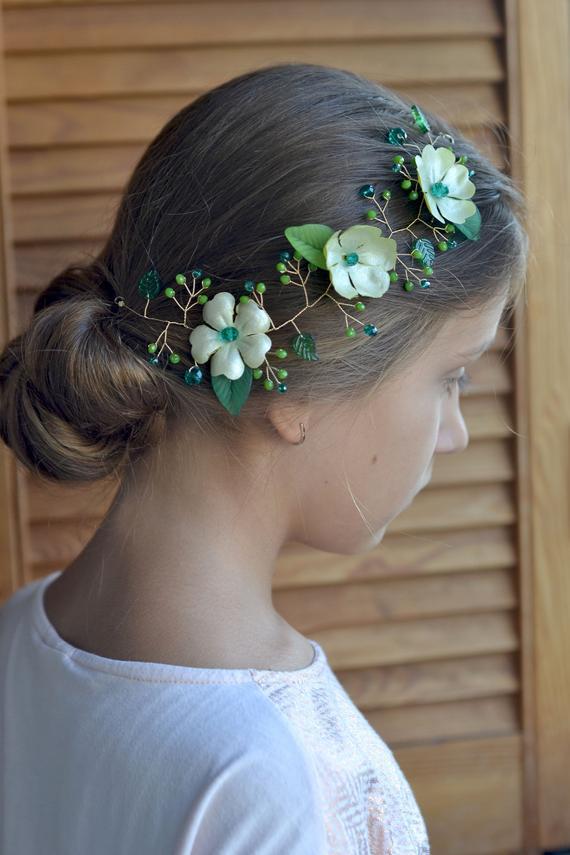 Свадьба - Green hair vine Emerald crystal hair back head piece Floral green vine leaves head wreath Emerald wedding piece back crown