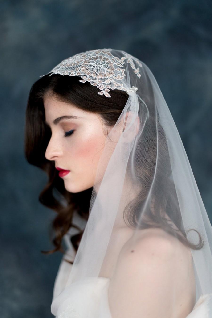 Hochzeit - Rose Gold Juliet Cap Veil, Tulle Juliet Veil, Rose Gold Wedding Veil, Bridal Cap Veil, Wedding Cap Veil, Chantilly Lace Veil, JUNIPER