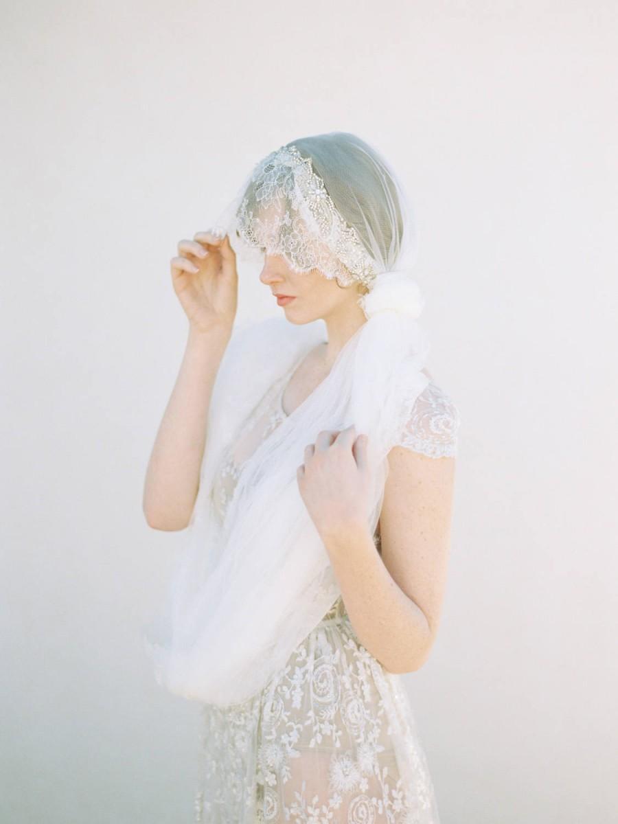 زفاف - Bohemian French Chantilly Lace Ivory Bridal Veil with Crystals, Chapel Length Wedding Veil - Style 402