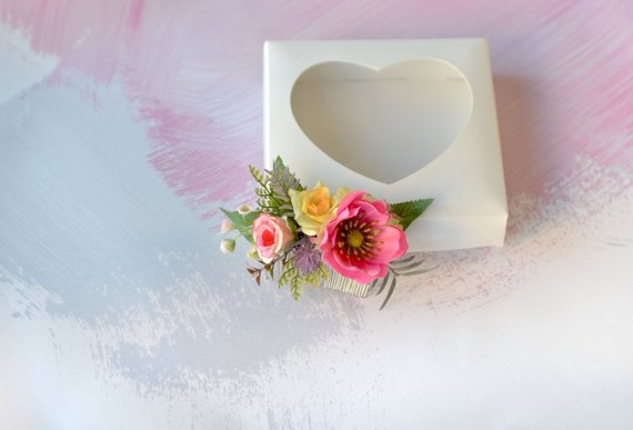 Hochzeit - Pink flower comb Anemone hair comb Yellow pink headpiece Prom floral comb Spring hair piece Pink floral hair comb Bride
