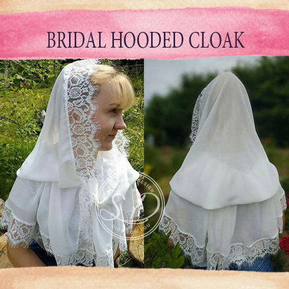 Mariage - Chiffon hooded cape Ivory or white Medieval hooded cape Wedding cloak shawl cover up First Communion Cape Fairy bridal head coverings mass
