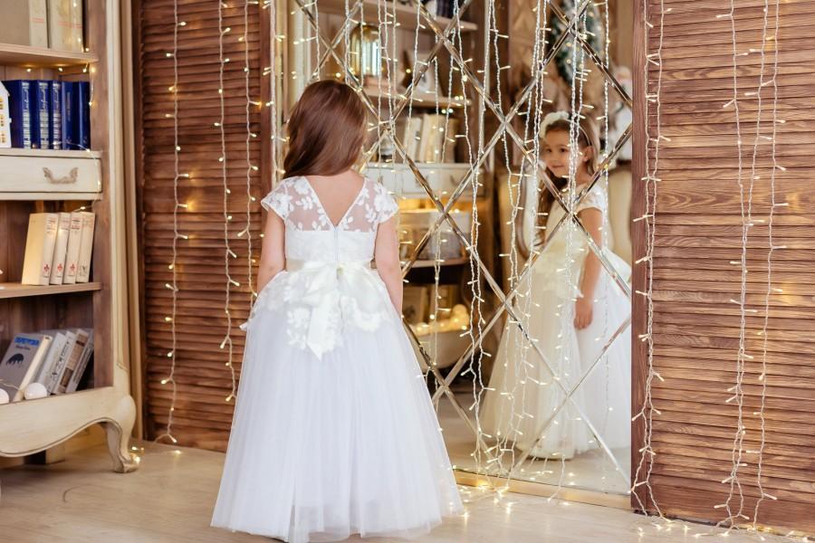 Mariage - Flower Girl Dress, Ivory Flower Girl Dress, Rustic Girl Dress, Ivory Lace Flower Girl Dress, Lace Flower Girl Dress, Baby Girl Dress, Dress