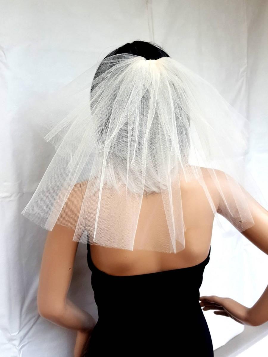 Mariage - Bachelorette party Veil 2-tier IVORY/WHITE, short length. Bride veil, bachelorette veil, hen party veil, wedding, bridal veil, bride to be