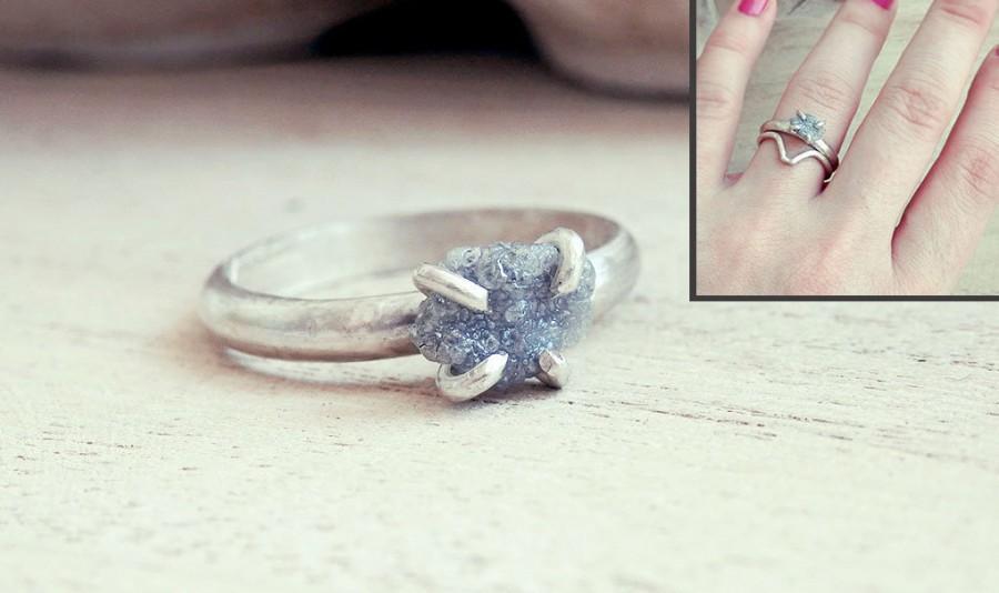 Mariage - Grey diamond ring, Chevron ring, Raw diamond ring, Chevron set ring, raw stone ring, promise ring, engagement ring, engagement set ring