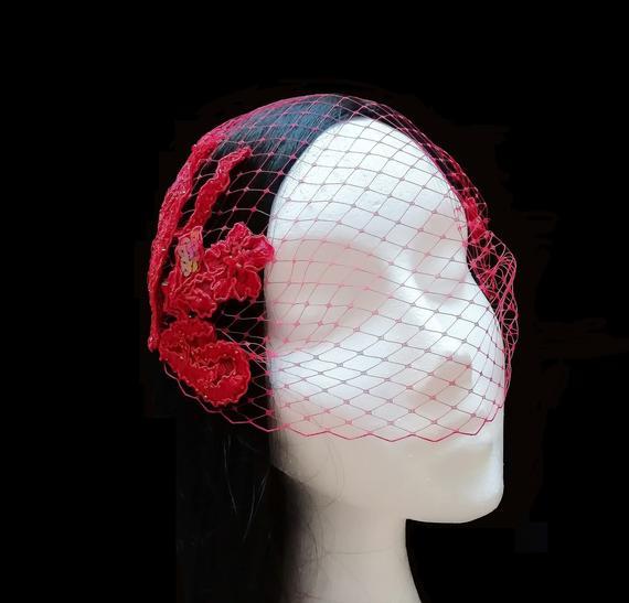 Свадьба - Tocado velo y encaje rojo. Tocado boda rojo.