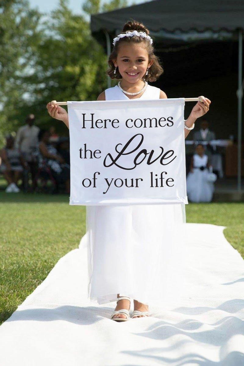 Mariage - Here Comes the Love of Your Life Here Comes the Bride Banner Flower Girl Sign Ring Bearer Sign Ideas