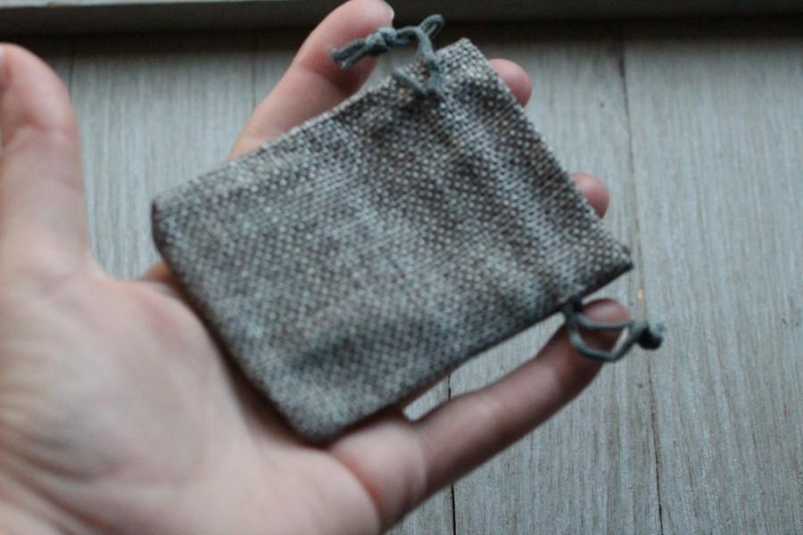 Wedding - Grey Burlap Gift Gemstone Pouch 2.5 x 3.5 Inches V16c