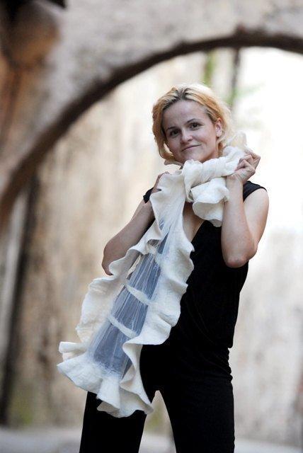 Свадьба - Bridal shawl, white silk shawl, wedding scarf, Felt scarf, white wool silk scarf, Wedding silk scarf, wedding felt shawl, white scarf