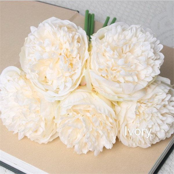 Свадьба - Ivory Silk Peony Bouquet Quality Wedding Flowers Light Champagne 5 Heads Artificial Peonies Bouquet For Bridal Bridesmaids Centerpieces