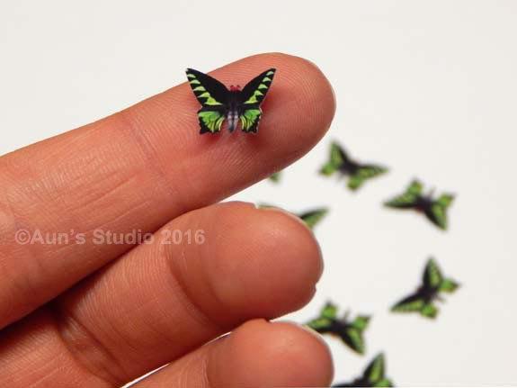 Mariage - 12 Tiny Butterfly Embellishments, mini paper butterflies, realistic paper butterflies, mini Rajah Brooke's Birdwing butterflies