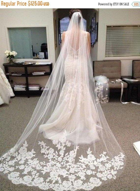 Mariage - ON SALE Wedding veil, Bridal veil, High quality beautiful long veil with lace at the edge cathedral length