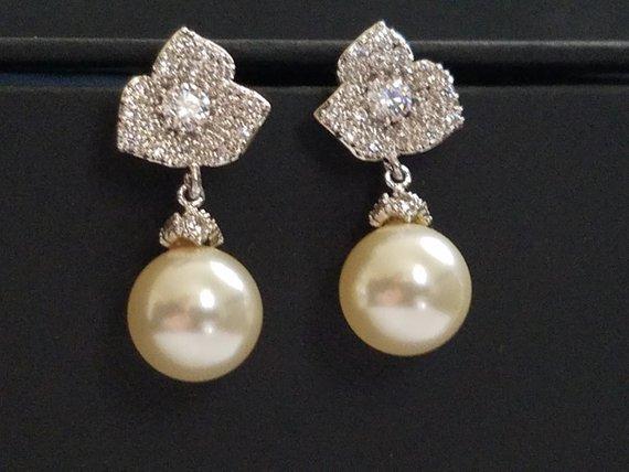 Wedding - Pearl Bridal Earrings, Trillium Flower Silver Earrings, Swarovski 10mm Pearl Earrings, Ivory Pearl Floral Stud Earrings, Wedding Earrings