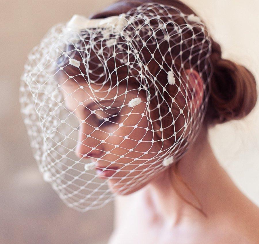 Mariage - Ivory dotted birdcage veil, polka dot veil, polka dot birdcage veil, bow veil, cage veil, wedding veil, blusher veil, chenille polka dots