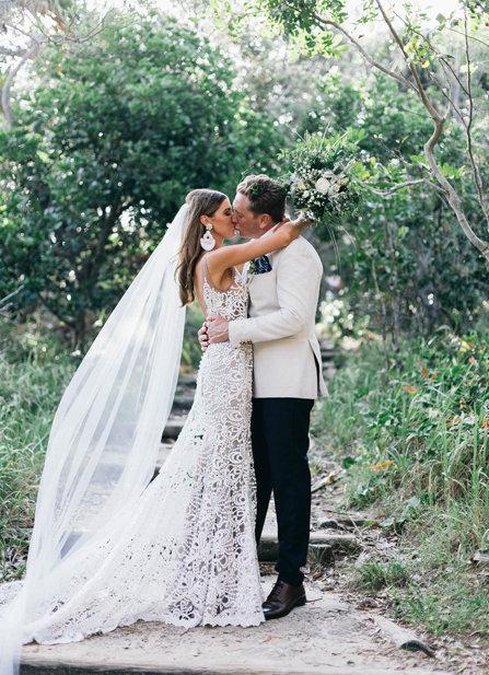 Mariage - FAST SHIP Soft Cathedral Wedding Veil, Long Veil, Raw Edge Bridal Veil, Long Simple Veil, White Ivory Blush Nude Glimmer Veil