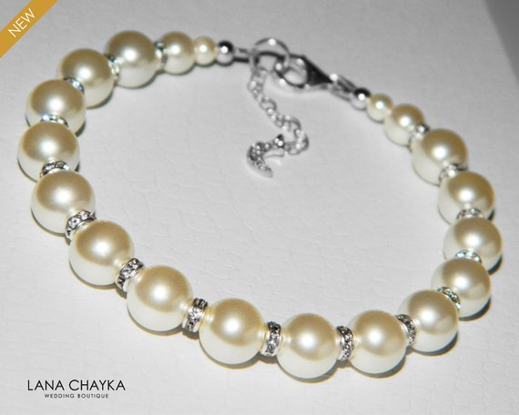 Mariage - Wedding Pearl Bridal Bracelet, Swarovski Ivory Pearl Bracelet, Wedding Pearl Jewelry, Bridal Pearl silver Bracelet, One Row Pearl Bracelet