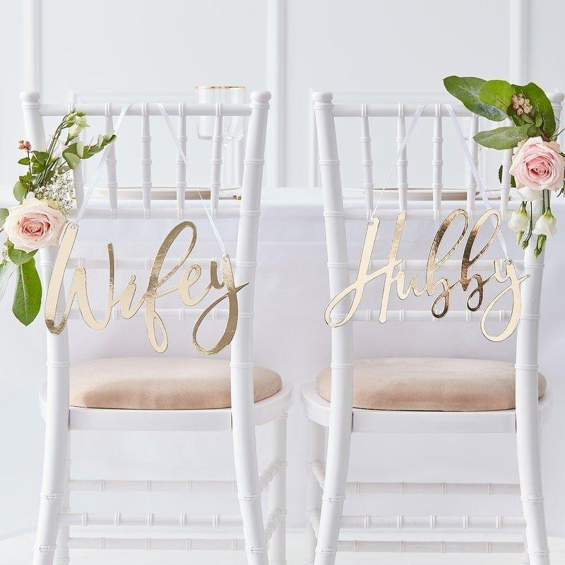 Свадьба - Gold Wifey and Hubby Wedding Chair Signs, Wifey and Hubby Chair Signs, Gold Chair Signs, Top Table Decor, Wedding Signs, Gold Wedding Decor