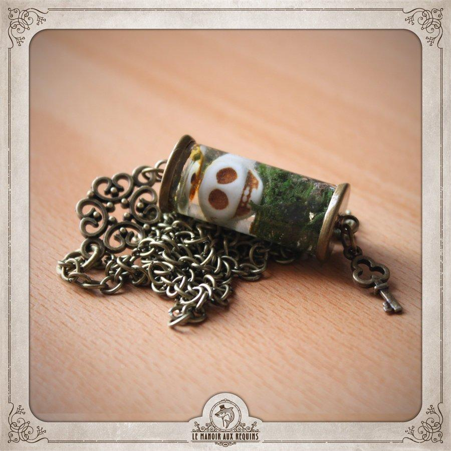 Wedding - TERRARIUM skull necklace in bronze, glass, resin, bone and real COV005 Iceland Moss